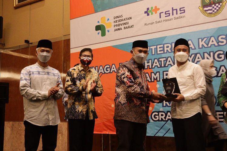 Direktur Utama PT Jasa Kepariwisataan (Jaswita) Jawa Barat (Jabar) saat menghadiri acara perpanjangan kerjasama penyediaan akomodasi bagi tenaga medis di Grand Hotel Preanger, Kamis (29/4/2021).