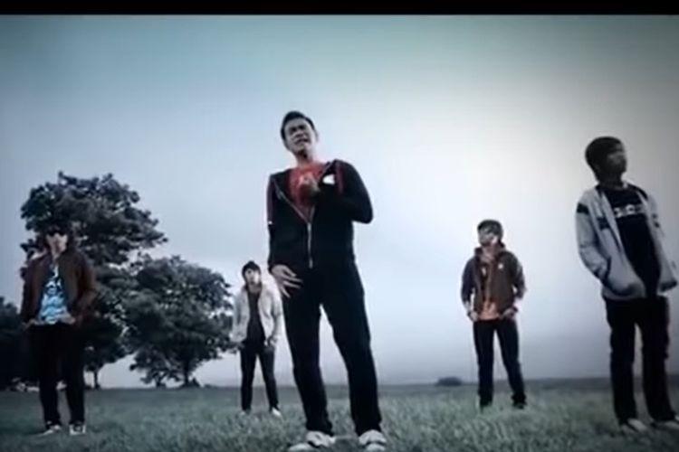 Lirik Dan Chord Lagu Hujan Kemarin Milik Band Taxi Halaman All Kompas Com