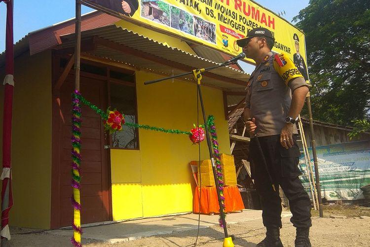 Kapolres Ngawi AKBP Pranatal Hutajulu. Melalui program sodakoh Jumat 7 rumah warga tidak layak huni telah direhab.