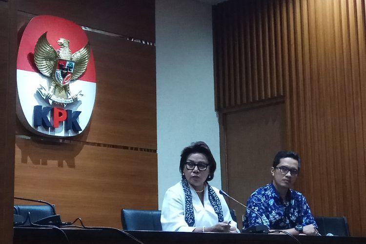 Wakil Ketua Komisi Pemberantasan Korupsi (KPK) Basaria Panjaitan mengatakan Bupati Kutai Kartanegara, Kalimantan Timur, Rita Widyasari (RIW) ditetapkan sebagai tersangka kasus dugaan suap dan gratifikasi bersama dengan orang swasta lainnya. Jakarta, Kamis (28/9/2017).