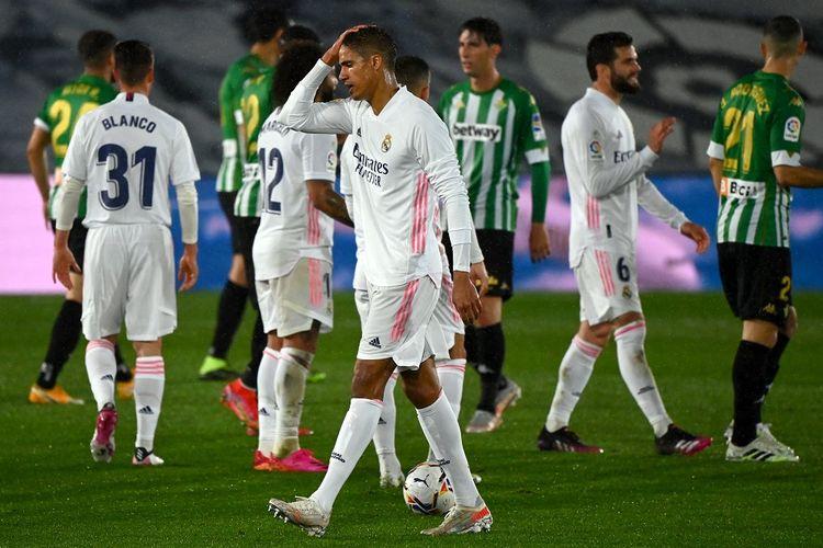 Real Madrid ditahan imbang tamunya, Real Betis, pada lanjutan pekan ke-32 LaLiga di Stadion Alfredo Di Stefano, Minggu (25/4/2021) dini hari WIB.