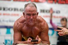 Plank Selama 8 Jam Lebih, Pria 62 Tahun Sukses Bukukan Rekor Dunia