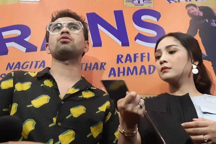 Pembawa acara Raffi Ahmad dan sang istri, Nagita Slavina saat ditemui di kawasan Kemang, Jakarta Selatan, Jumat (6/3/2020)