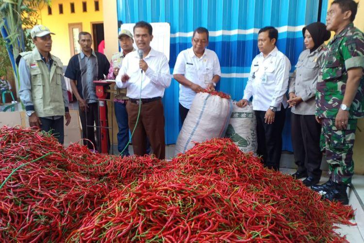 Kementerian Pertanian kembali menggelar peluncuran pasar lelang cabai di Desa Wadung, Kecamatan Jenu, Kabupaten Tuban, Rabu (24/10/2018)