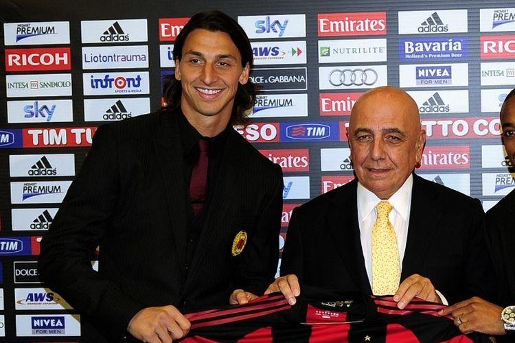 CEO AC MIlan, Adriano Galliani, bersama dengan Zlatan Ibrahimovic pada 9 September 2010.