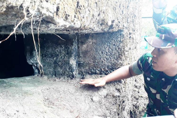 Dandim 1403 Sawerigading Letkol Infanteri Gunawan mengecek kondisi bunker di kelurahan Battang Barat, kecamatan Wara Barat, Kota Palopo, Minggu (08/12/2019)