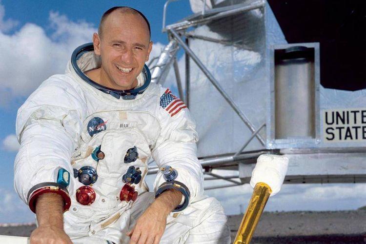 Alan Bean, astronot keempat yang menjejakkan kaki ke Bulan