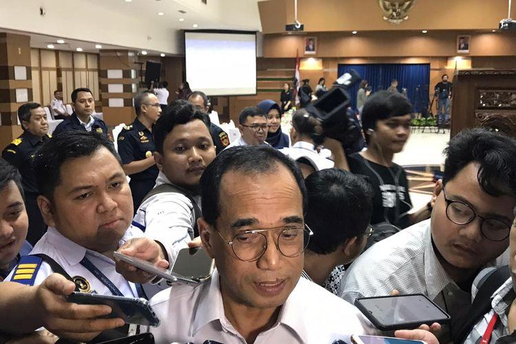 Menteri Perhubungan Budi Karya Sumadi di Kementerian Perhubungan, Jakarta, Senin (27/1/2020).