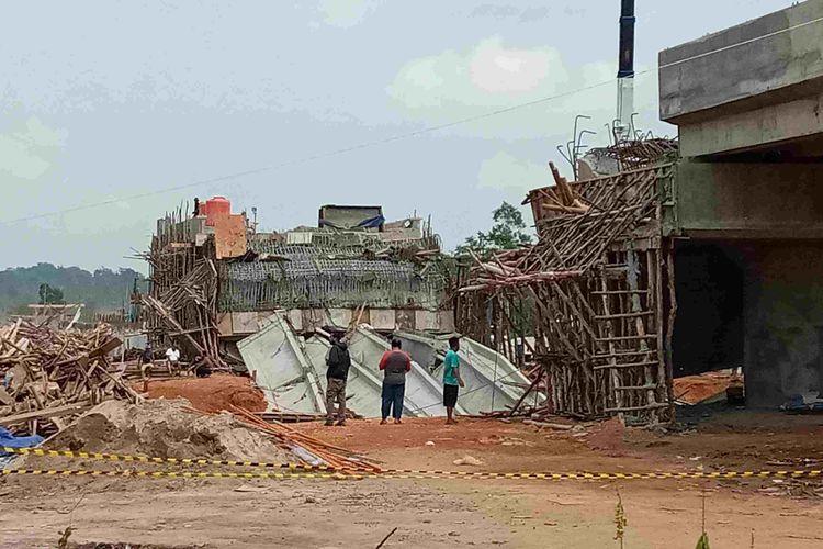 Jembatan senilai Rp 25 miliar lebih di Jerambah Gantung, Pangkalpinang ambruk saat proses pengerjaan, Jumat (16/10/2020) malam.