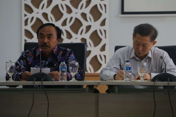 Direktur Jenderal Perikanan Budidaya Slamet Soebjakto dan Kepala Regional FAO- Asia Pasifik. Prof Weimin Miao