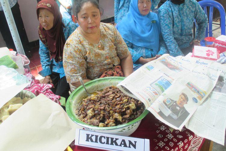 Kicikan, kuliner khas Gunungkidul, DI Yogyakarta dijajakan di Pasar Tradisional.