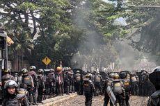 Kerusuhan Terjadi di Jalan Slipi I, Polisi Tembak Gas Air mata dan Water Canon