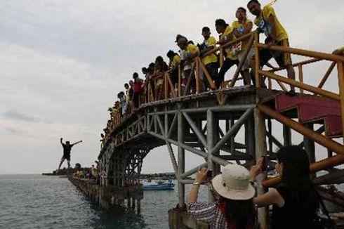 Bupati Kepulauan Seribu Minta Jembatan Cinta Diperbaiki
