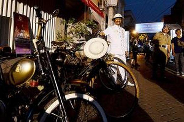 Banyaknya penyelenggaraan acara festival seni, budaya, dan kuliner mulai menghidupkan kawasan Kota Lama di Kota Semarang, Jawa Tengah, Sabtu (19/9/2015). Upaya meramaikan kawasan Kota Lama yang telah dilakukan banyak komunitas ini mulai banyak menarik investor.