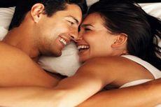 6 Posisi Bercinta Bagi Pasangan yang Sedang Mendambakan Momongan