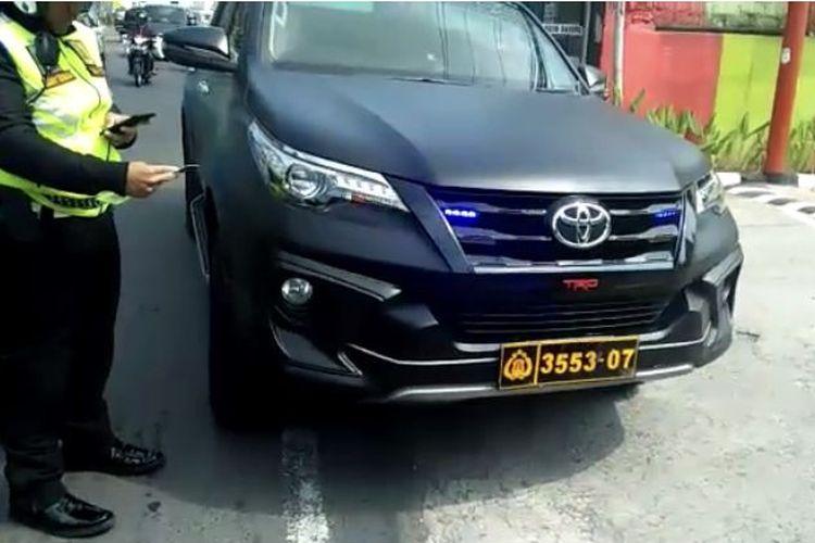 Polres Bogor Berhasil Menindak Pelajar yang Ugal-ugalan di jalan Puncak Pakai Mobil Berpelat Nomor Dewa