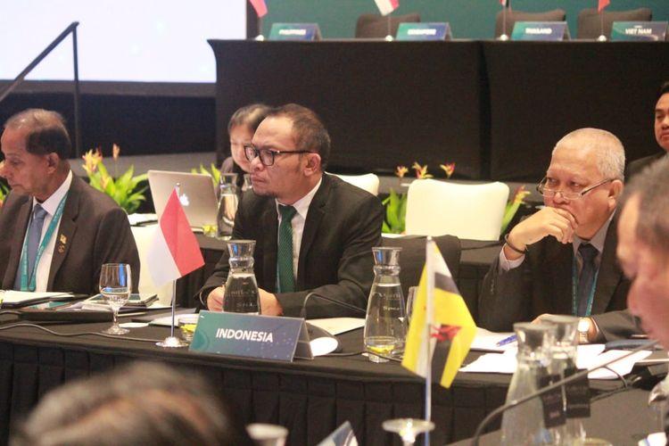 Menteri Ketenagakerjaan (Menaker) M Hanif Dhakiri saat menghadiri pertemuan Menteri-menteri Tenaga Kerja di Singapura, Senin (29/4/2019).