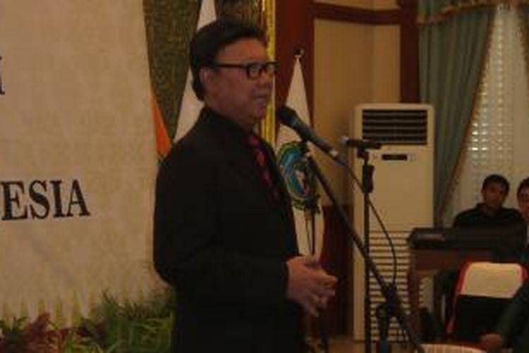 Menteri Dalam Negeri Tjahjo Kumolo saat melantik pejabat Gubernur Kepulauan Riau, Rabu (30/12/205).