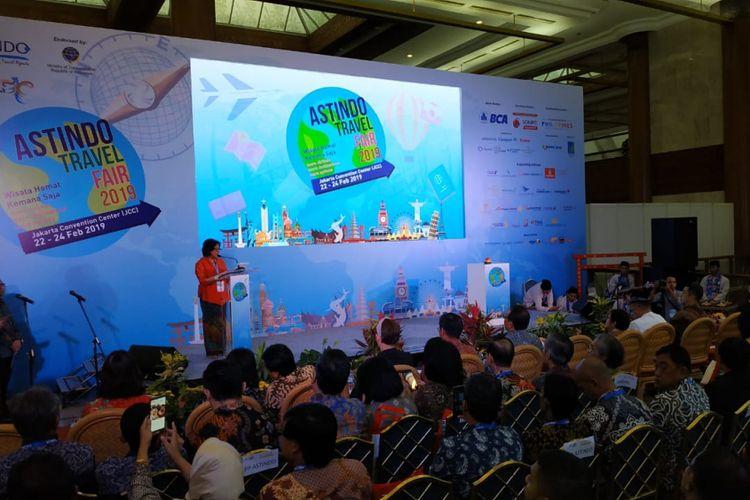 Ketua umum Astindo, Elly Hutabarat membuka pameran wisata Astindo Travel Fair di Jakarta Convention Center, Jakarta, Jumat (22/2).