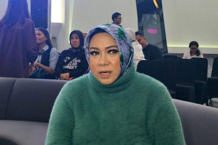 Artis musik Melly Goeslaw saat ditemui dalam jumpa pers serial horor Nawangsih di kawasan Kuningan, Jakarta Selatan, Rabu (16/1/2019).