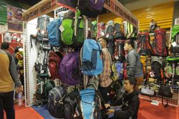 Rahasia Menekan Biaya Pembelian Alat Pendakian Gunung