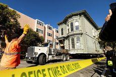 Rumah Gaya Victoria Berusia 139 Tahun Dipindahkan secara Utuh Lewati Jalan San Francisco