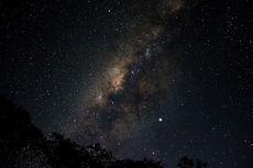 Mengapa Kita Bisa Memotret Galaksi Bima Sakti meski Ada di Dalamnya?