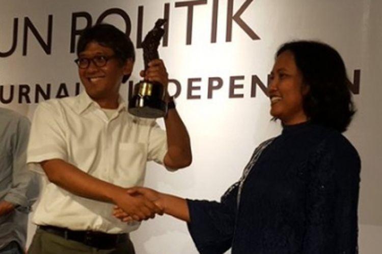 Pemimpin Redaksi Majalah Tempo Arif Zulkifli (kemeja putih).