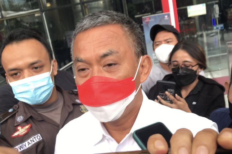 Ketua DPRD DKI Jakarta Prasetyo Edi Marsudi usai menjalani pemeriksaan penyidik Komisi Pemberantasan Korupsi (KPK) terkait dugaan korupsi pengadaan lahan di Munjul, Kelurahan Pondok Ranggon, Kecamatan Cipayung, Jakarta Timur pada tahun 2019 pada Selasa (21/9/2021).