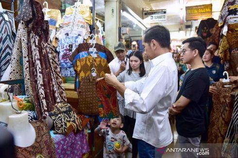 Presiden Jokowi dan Keluarga Belanja Batik di Pasar Beringharjo Yogyakarta