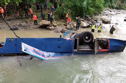 KNKT Duga Sopir Tak Mengerem Sebelum Bus Sriwijaya Terjun ke Jurang