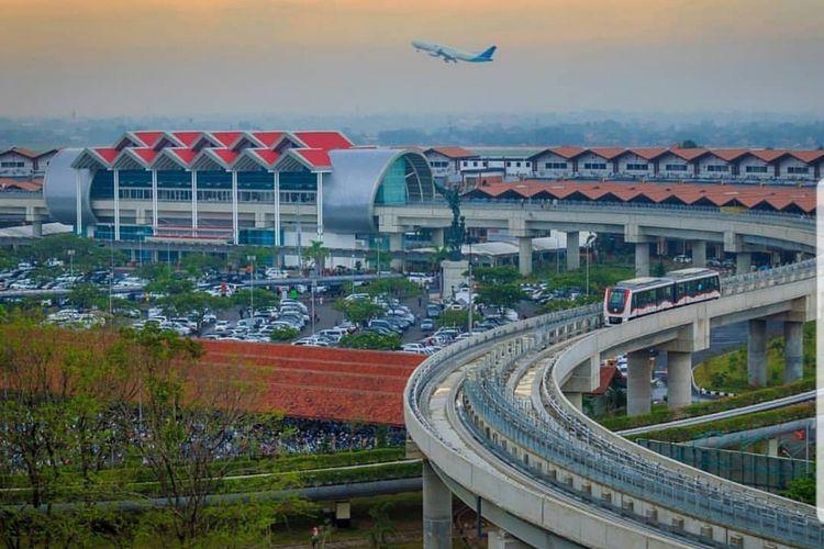 Skytrain Bandara Internasional Soekarno-Hatta.
