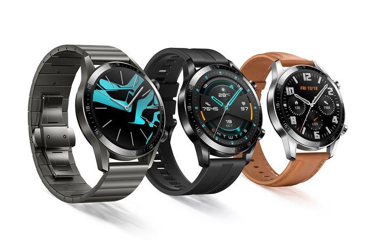 Huawei Watch GT 2 Edisi Olahraga (tengah) dan Klasik (kanan).