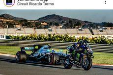 Saat Rossi Geber Mobil F1, Lewis Hamilton Tunggangi Motor MotoGP