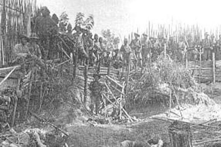 Tentara Belanda merebut benteng Fort Kuto Reh pada 14 Juni 1904 di tahap-tahap akhir Perang Aceh yang berlangsung selama 30 tahun. Perang Aceh menjadi salah satu perang dengan durasi paling panjang dalam sejarah dunia.