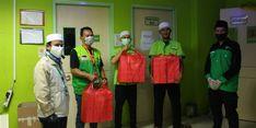 Dompet Dhuafa Bagi Makanan Sahur untuk Tim Medis RS di Jabodetabek