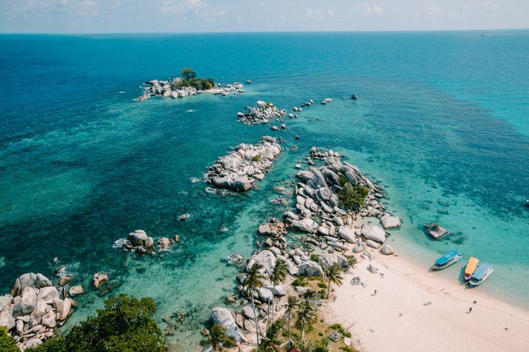 Gugusan bebatuan granit di Tanjung Kelayang, salah satu geosite yang beradi Geopark Belitung.