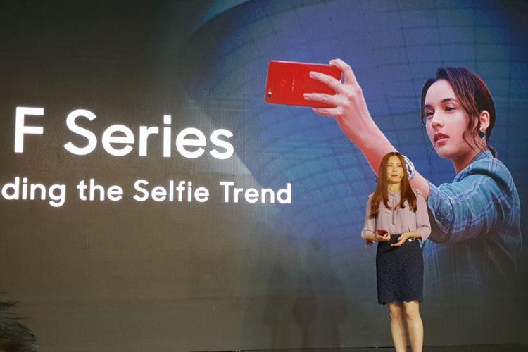Alinna Wen, Marketing Director Oppo Indonesia saat peluncuran Oppo F9 di Jakarta, Kamis (23/8/2018).