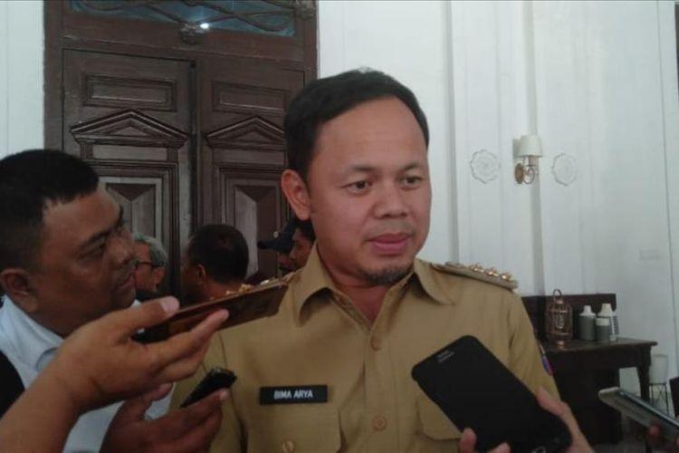 Wali Kota Bogor Bima Arya Sugiarto saat ditemui usai rapat evaluasi Penerimaan Peserta Didik Baru (PPDB) di Balai Kota Bogor, Senin (1/7/2019).