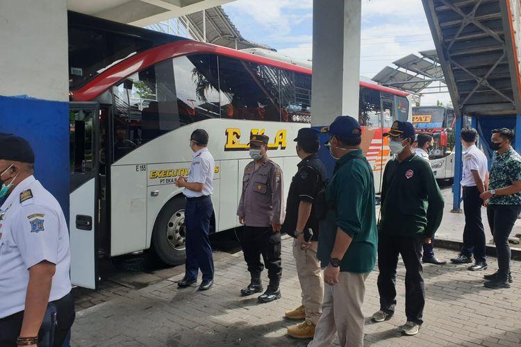 Tim Dalops Hubdat temukan awak bus beroperasi tak sesuai syarat PPKM Darurat