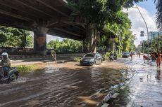 Langit Sudah Biru, Jalan Ahmad Yani, Cempaka Putih Masih Banjir