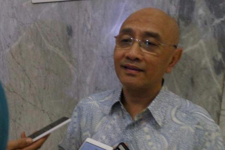 Ketua Umum Ikatan Dokter Anak Indonesia (IDAI), Aman Bhakti Pulungan, di Kompleks DPR MPR RI, Jakarta, Senin (27/6/2016).