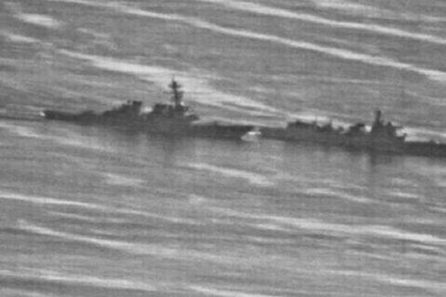Foto Ungkap Kapal Perang AS Ditempel Ketat Kapal Perang China