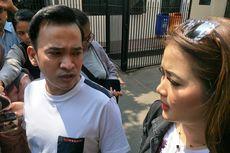 Jenguk Nunung di Polda Metro Jaya, Ruben Onsu dan Vega Darwanti Bawa Makanan