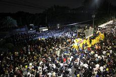 Semakin Berani, Demonstran Thailand Geruduk Markas Tentara