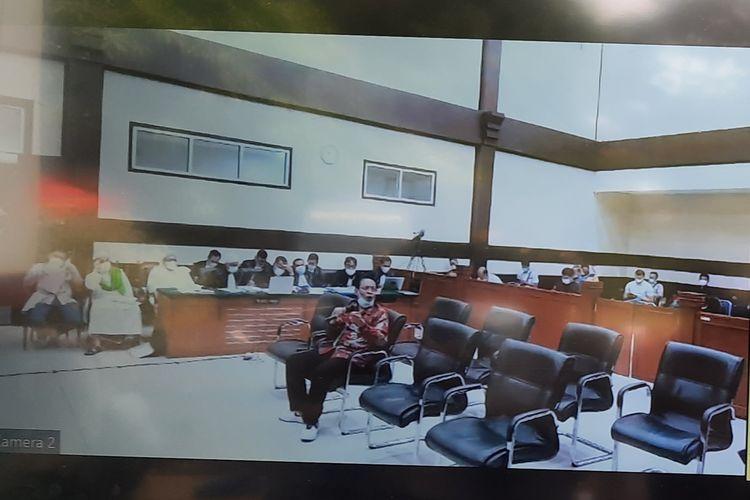Pengadilan Negeri (PN) Jakarta Timur melanjutkan sidang kasus tes usap (swab test) di RS Ummi Bogor dengan terdakwaRizieq Shihabpada hari ini, Rabu (5/5/2021).