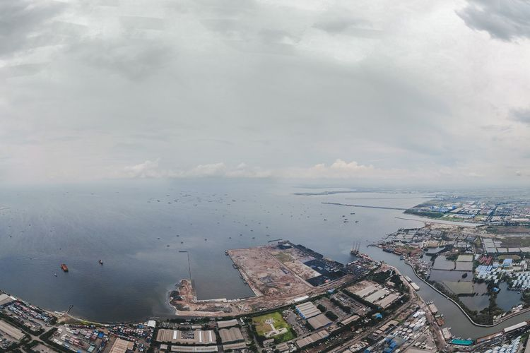 Dermaga I Pelabuhan Marunda, Jakarta Utara.