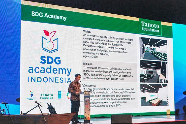 Anggota Dewan Pembina Tanoto Foundation, Anderson Tanoto memaparkan SDG Academy Indonesia. Memberikan kata sambutan dalam peresmian SDG Academy Indonesia .