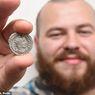 Dikira Uang Biasa, Pria Ini Temukan Koin Era Romawi Berusia 1.800 tahun
