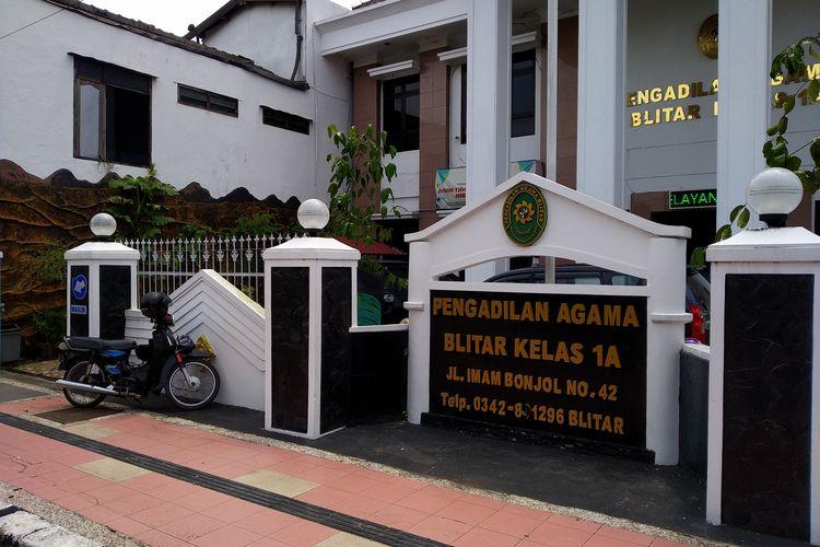 Pengadilan Agama Kelas 1A Blitar di Jalan Imam Bonjol, Kecamatan Sananwetan, Kota Blitar.
